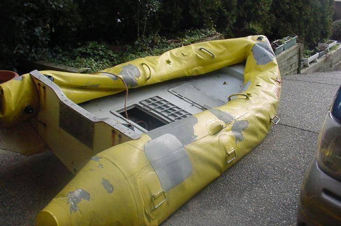 Как правильно заклеить резиновую лодку
