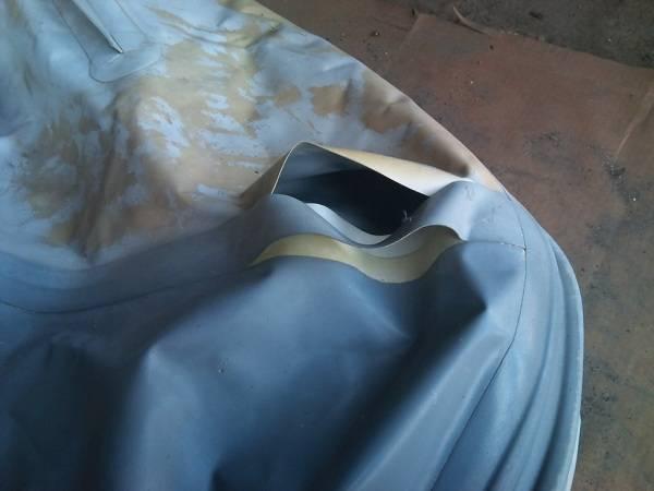 Повреждения у резиновой лодки