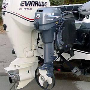 Установка лодочного мотора