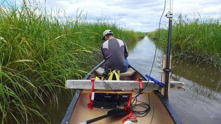 Крепление датчика эхолота к лодке