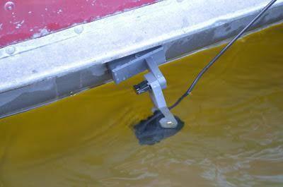 Крепление датчика эхолота на лодку пвх
