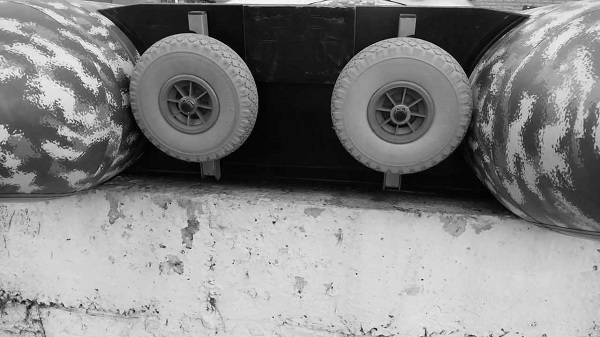 Быстросъемные транцевые колеса