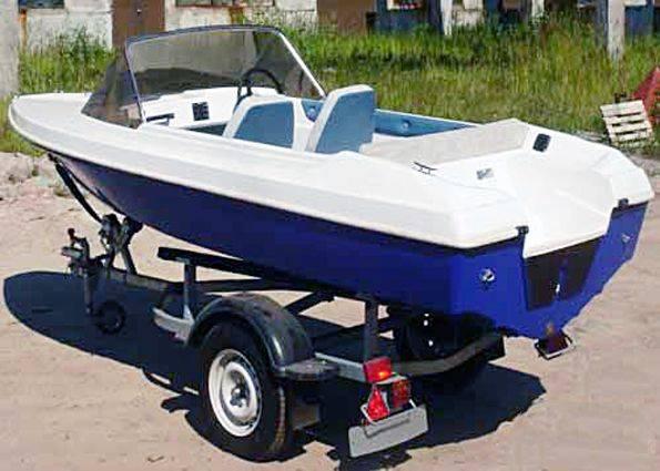 Лодка пластиковая под мотор