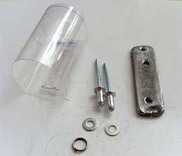 самодельная фидерная кормушка из пластиковой бутылки