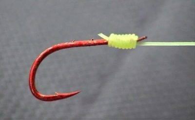 Красный крючок