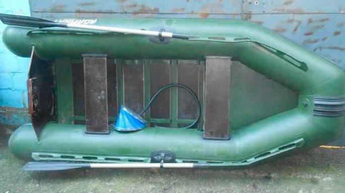 Лодка гребная с надувным дном