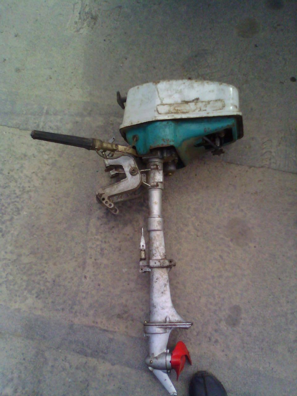 Лодочный мотор салют 2